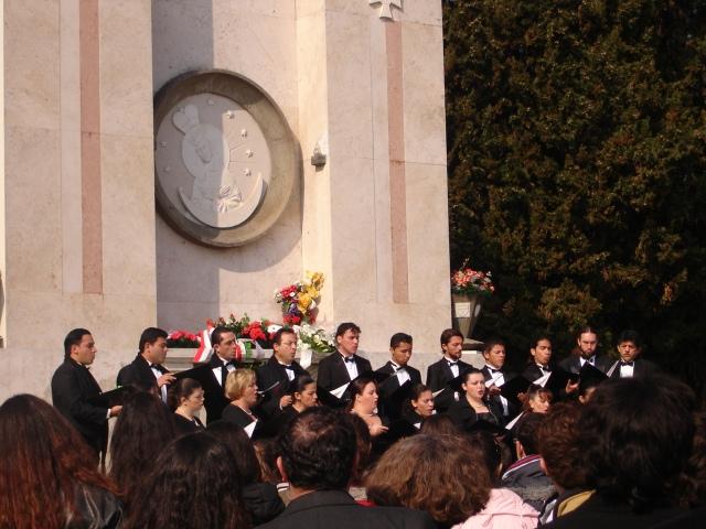 DCS01882 (el número de la foto es el mismo del año en que se estrenó. Fue tomada por la pianista Tanya Cordero.